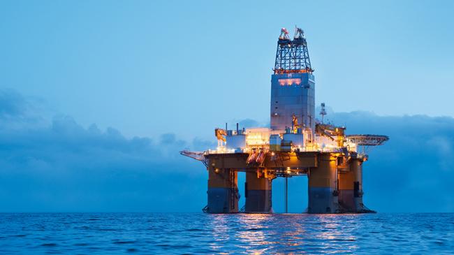 Цена нефти марки Brent снизилась до $55,34 забаррель