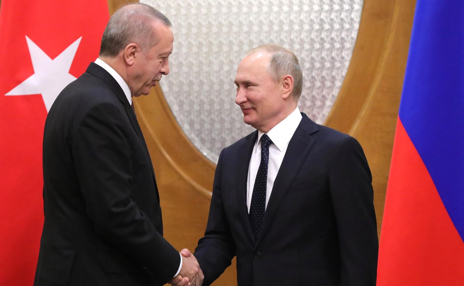 Российский президент пригласил Эрдогана в Симферополь