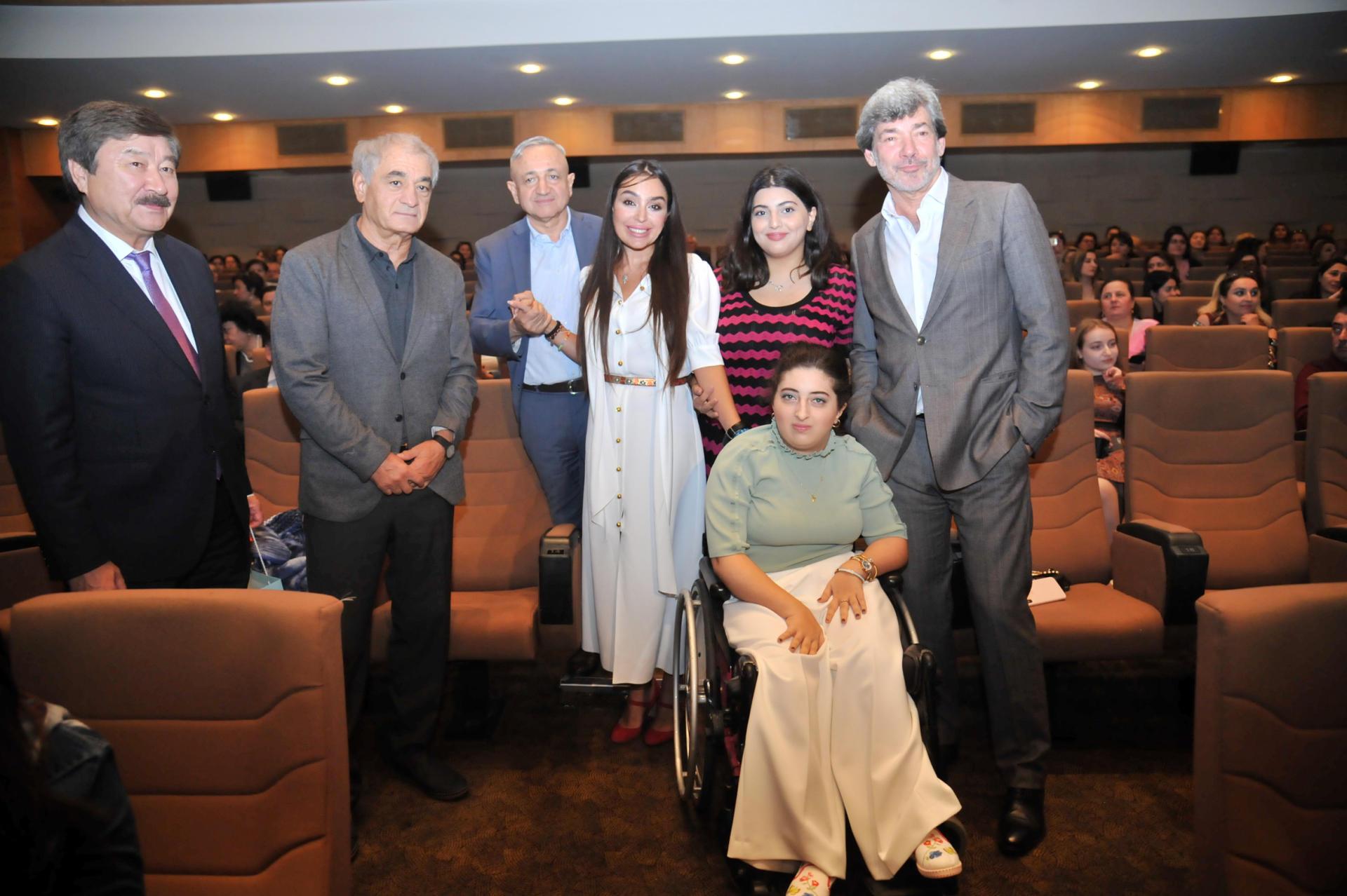 Лейла Алиева приняла участие в показе фильма, посвященного памяти Андрея Дементьева
