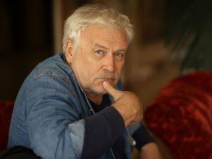 Мишустин поздравил Невзорова с 70-летием