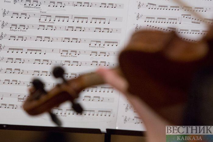 Коронавирус переложили на музыку