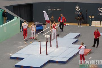 Владислав Поляшов возглавил квалификацию в упражнениях на брусьях Кубка мира по спортивной гимнастике в Баку