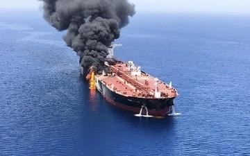 Подбитый танкер Sabiti доберется до Ирана не раньше конца октября