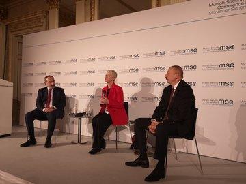 Стенограмма встречи президента Азербайджана Ильхама Алиева и премьер-министра Армении Никола Пашиняна