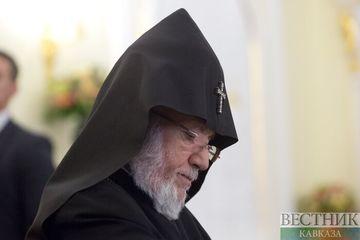 Католикос всех армян не стал осуждать национализм и реваншизм в Армении