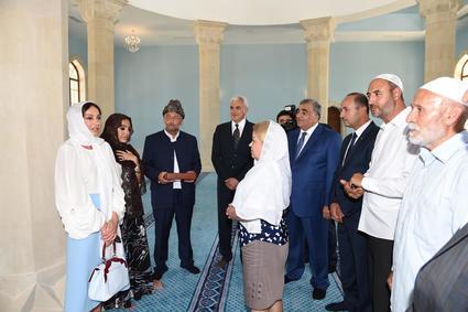 Строительство комплекса Джума-мечети в Зиря продолжает традиции благотворительности Айдына Гурбанова