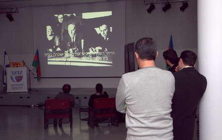 """Память жертв """"черного января"""" в Баку"""