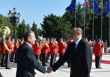 В Баку прошла официальная встреча Дональда Туска