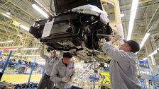 Казахстанский автопром поддержал девальвацию тенге