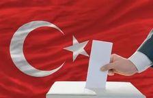 В Турции введен запрет на прогнозирование итогов парламентских выборов