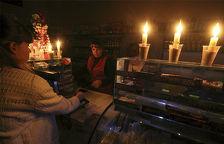 Крымские спекулянты подняли цены на свечи и батарейки