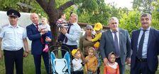 Многодетная семья в Дагестане получит от депутата новый дом вместо сгоревшего