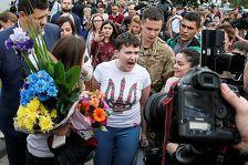 Стали известны подробности обмена Савченко на Александрова и Ерофеева