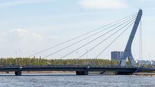 Инициаторов референдума по мосту Кадырова призвали лучше оформлять документы