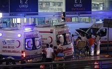 Теракт в аэропорту Стамбула могли осуществить иностранцы - турецкие СМИ