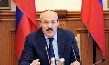 Абдулатипов поздравил Дагестан с Курбан-байрамом